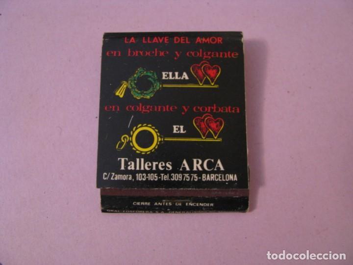 CERILLAS TALLERES ARCA. LA LLAVE DEL AMOR EN BROCHE Y COLGANTE. BARCELONA. (Coleccionismo - Objetos para Fumar - Cajas de Cerillas)
