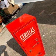 Cajas de Cerillas: MAQUINA EXPENDEDORA DE CERILLAS AÑOS 70. Lote 194589193