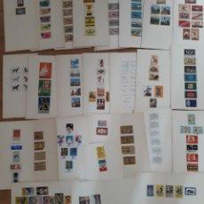 Cajas de Cerillas: GRAN LOTE DE APROXIMADAMENTE 140 CARTULINAS CON ETIQUETAS DE CAJAS DE CERILLAS DE TODO EL MUNDO. Lote 194686418