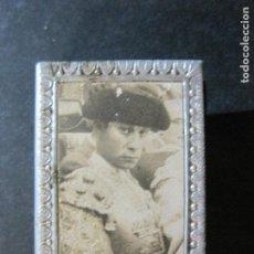 Cajas de Cerillas: FUNDA CUBRE CAJA CERILLAS METALICO DE TOREROS-CHAMACO-VER FOTOS-(V-20.216). Lote 205735626