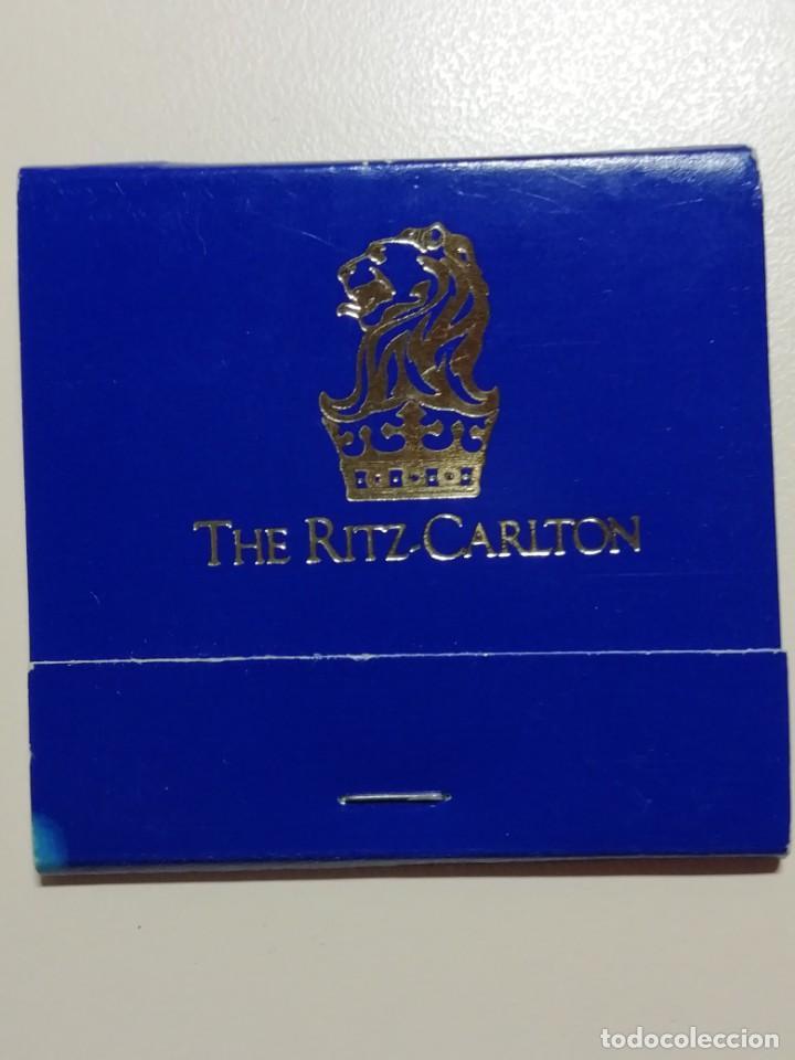 LOTE DE 7 CAJAS ANTIGUAS DE CERILLAS PUBLICITARIAS- HOTEL RITZ CARLTON DE NEW YORK-AÑOS 70 (Coleccionismo - Objetos para Fumar - Cajas de Cerillas)