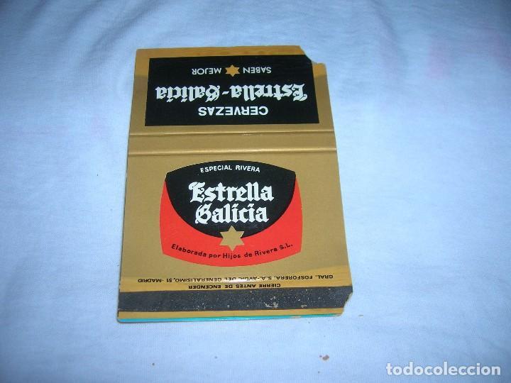 ANTIGUA CARTERITA DE CERILLAS CON PUBLICIDAD. CERVEZA ESTRELLA GALICIA. ESPECIAL RIVERA. (Coleccionismo - Objetos para Fumar - Cajas de Cerillas)