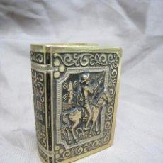 Cajas de Cerillas: CAJA CERILLAS DE METAL Y PLASTICO SIMIL LIBRO DON QUIJOTE DE LA MANCHA. Lote 221782345