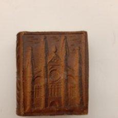 Cajas de Cerillas: LOTE CERILLAS ANTIGUAS,UNA DE CUERO REPUJADO CON FORMA DE LIBRO DE LA CATEDRAL DE PALMA DE MAYORCA. Lote 238055050
