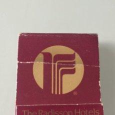 Cajas de Cerillas: RETRO VINTAGE CARTERITA CERILLAS THE RADISSON HOTELS (EE.UU Y CANADÁ). Lote 257639180