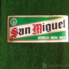 Coleccionismo de cervezas: SAN MIGUEL-PEGATINA AÑOS 80- 33X14CM-. Lote 22349809