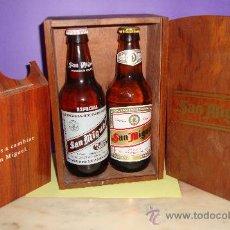 Coleccionismo de cervezas: LOTE DE DOS BOTELLAS CERVEZA SAN MIGUEL PROMOCION EN CAJA DE MADERA. Lote 28764260