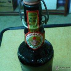 Coleccionismo de cervezas: BOTELLA DE CERVEZA ALTENMUNSTER, LLENA,50 CL, CADUCADA, CON TAPON CERAMICO,. Lote 47713354