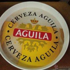 Coleccionismo de cervezas: BANDEJA METÁLICA DE CERVEZA EL AGUILA -REF3500-. Lote 49188423