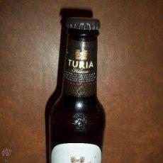 Coleccionismo de cervezas: BOTELLA CERVEZA TURIA TOSTADA MARZEN VALENCIA 25 CL LLENA CHAPA CON DIBUJO. Lote 49737703