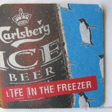 Coleccionismo de cervezas: POSAVASO POSAVASOS CERVEZA DANESA CARLSBERG BEER. ICE. LIFE IN THE FREEZER (COMO NUEVO). Lote 50251723