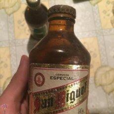 Coleccionismo de cervezas: ANTIGUA BOTELLA DE CERVEZA SAN MIGUEL PILSENER EXTRA. AÑOS 80-90. RARO. SIN ABRIR, CON CHAPA.. Lote 52592325