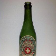 Coleccionismo de cervezas: MUY ANTIGUA BOTELLA DE CERVEZA * LA CRUZ BLANCA * ETIQUETA DE PAPEL. Lote 54328747
