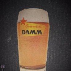 Coleccionismo de cervezas: PUBLICIDAD TROQUELADA CERVEZA DAMM- XL VUELTA CICLISTA A CATALUÑA 1960- VER FOTOS - (V-4502). Lote 54611346