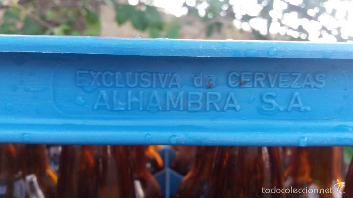 Coleccionismo de cervezas: Lote de 24 botellas y caja de cerveza la Alhambra. Botella de 33cl Granada - Foto 4 - 57895836
