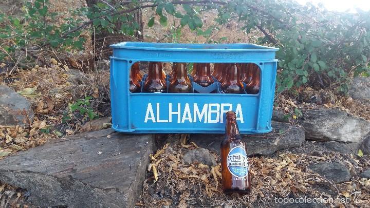 Coleccionismo de cervezas: Lote de 24 botellas y caja de cerveza la Alhambra. Botella de 33cl Granada - Foto 5 - 57895836