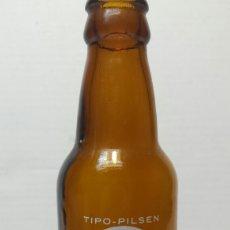 Coleccionismo de cervezas: BOTELLA DE CERVEZA LA ALHAMBRA 20 CL TIPO PILSEN. Lote 68850419