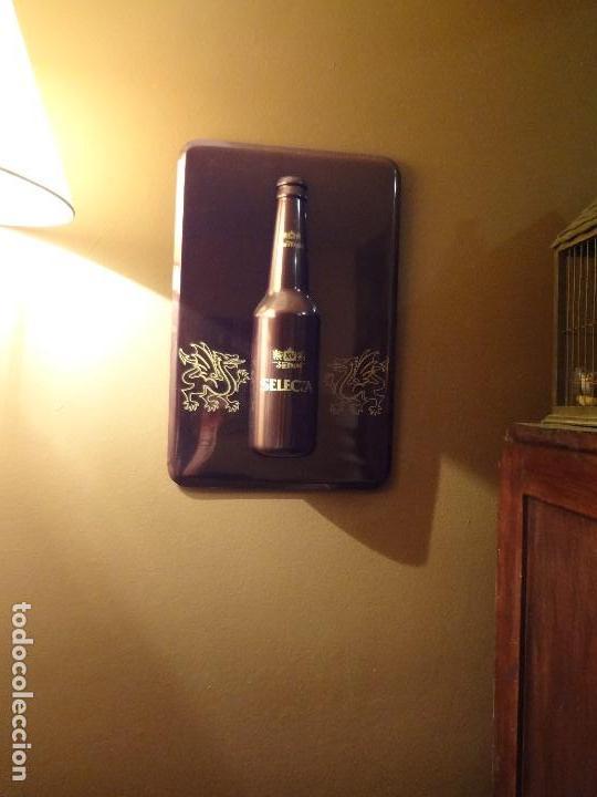 Coleccionismo de cervezas: Cartel publicidad de plástico duro SAN MIGUEL SELECTA con relieve. - Foto 6 - 74992263