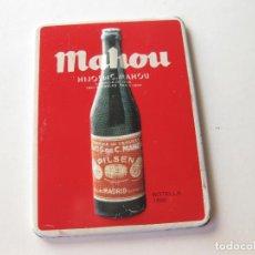 Coleccionismo de cervezas: IMAN PUBLICITARIO DE NEVERA DE CHAPA EN RELIEVE CON LA BOTELLA DE CERVEZAS MAHOU DE 1896 - CERVEZA. Lote 197894515