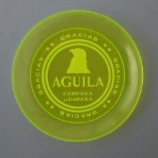 Coleccionismo de cervezas: RARO Y CURIOSO PLATO CON PUBLICIDAD DE CERVEZA DE ESPAÑA AGUILA. AÑOS 70?. Lote 82260300