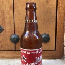 Coleccionismo de cervezas: BOTELLA ANTIGUA CERVEZA DAMM. Lote 90822594
