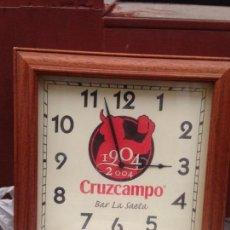Coleccionismo de cervezas: RELOJ DE CERVEZA CRUZ CAMPO DEL CENTENARIO AÑO 1904/2004. Lote 92166375