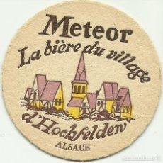 Coleccionismo de cervezas: POSAVASOS CERVEZA METEOR - LA BIËRE DU VILLAGE D'HOCHFELDEN - ALSACIA . Lote 97403071