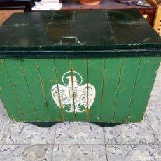 Coleccionismo de cervezas: ANTIGUA Y GRAN NEVERA DE CERVEZA EL AGUILA, COLOR VERDE. RARA. Lote 99293666