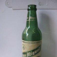 Coleccionismo de cervezas: RARISIMA BOTELLA 1 TERCIO - SAN MIGUEL PILSENER CRISTAL - BOTELLA VERDE. Lote 99535379