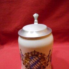 Coleccionismo de cervezas: JARRA DE CERVEZA ALEMANA.PORCELANA Y TAPA DE ZINC. Lote 105380515