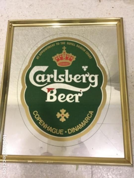 CUADRO ENMARCADO. ESPEJO DE LA CERBEZA CARLSBERG (Coleccionismo - Botellas y Bebidas - Cerveza )