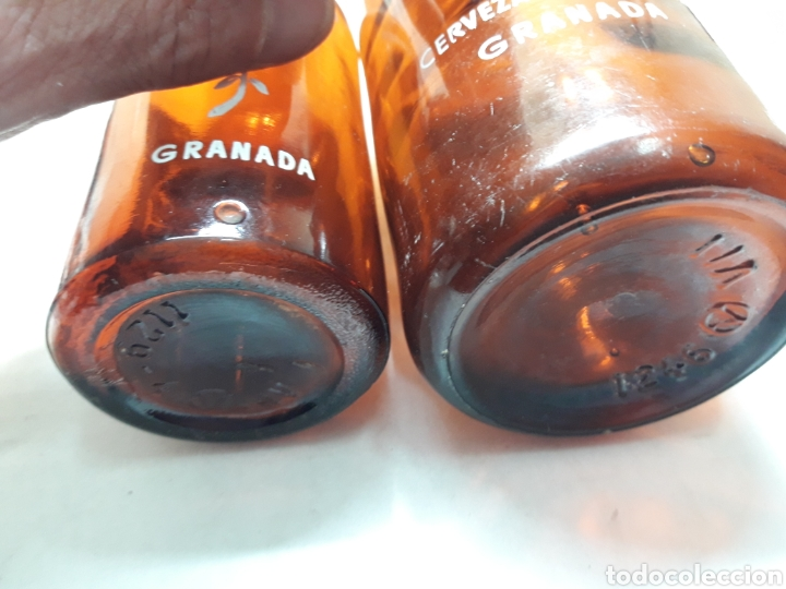 Coleccionismo de cervezas: Botellas de Cerveza Alhambra 66cl y 33cl serigrafía en blanco escasas - Foto 3 - 110922104