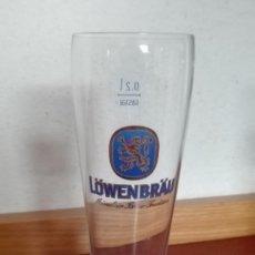 Coleccionismo de cervezas: COPA DE CERVEZA LOWENBRAU LOGOTIPO EN EL REVERSO SERIGRAFIADO DIFÍCIL DE CONSEGUIR. Lote 111424231