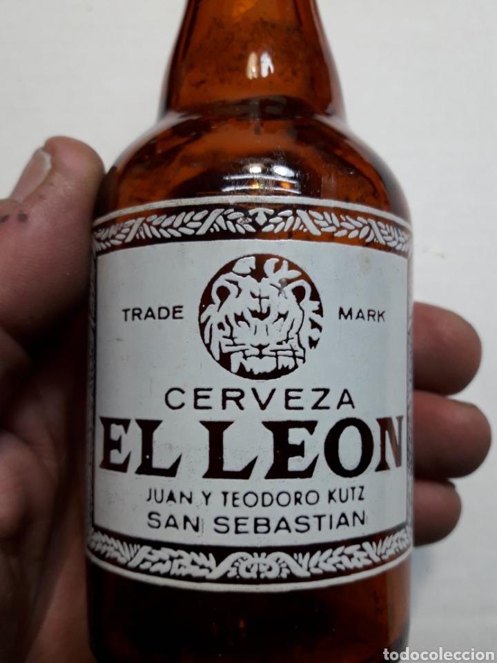 Coleccionismo de cervezas: Botella Antigua Cerveza El León 20cl - Foto 5 - 112642470