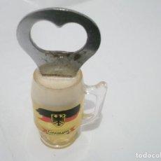Coleccionismo de cervezas: ABRIDOR CERVEZA EN FORMA DE JARRA EN METRAQUILATO . MADE IN GERMANI. Lote 115350651