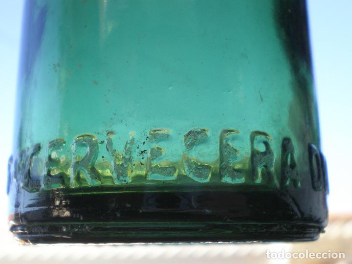 Coleccionismo de cervezas: BOTELLA CERVEZA *CERVECERA DEL NORTE-BILBAO* 20 CL. LETRAS GRABADAS EN RELIEVE EN BASE, VIDRIO VERDE - Foto 3 - 270936898