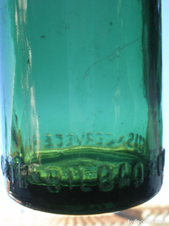 Coleccionismo de cervezas: BOTELLA CERVEZA *CERVECERA DEL NORTE-BILBAO* 20 CL. LETRAS GRABADAS EN RELIEVE EN BASE, VIDRIO VERDE - Foto 6 - 270936898