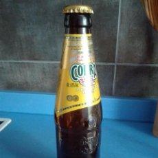 Coleccionismo de cervezas: BOTELLA CERVEZA VACIA 33CL - COBRA - UNITED KINGDOM - SERIGRAFIADA - CON CHAPA. Lote 122012467