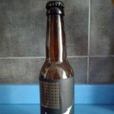 Coleccionismo de cervezas: BOTELLA CERVEZA VACIA 33CL - LA BURRA - CAD 2018 - CON CHAPA. Lote 122013907
