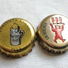 Coleccionismo de cervezas: LOTE 2 CHAPAS KRONKORKEN CAPS TAPPI CERVEZA BERLINER. BERLÍN. ALEMANIA. Lote 122180671