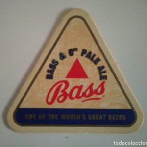 BASS &CO PALE ALE POSAVASOS TRIANGULAR 11X11X11 ALTURA 10CM CARTON COASTERS CERVEZA BEER