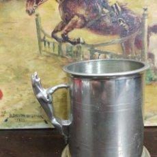 Coleccionismo de cervezas: JARRA DE CERVEZA DE LA CASA JAGUAR CON BAÑO DE PLATA. Lote 127336635