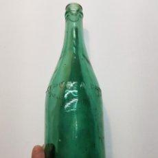 Coleccionismo de cervezas: BOTELLA ANTIGUA CERVEZA DAMM 75CL O 28CM. Lote 129658954