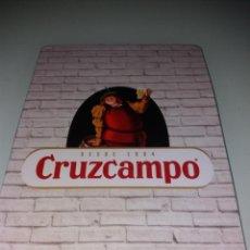 Coleccionismo de cervezas: CERVEZA CRUZCAMPO CHAPA 15 X 21. Lote 131572138