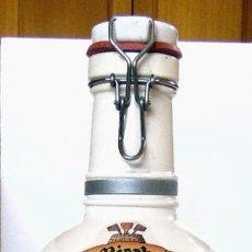 Coleccionismo de cervezas: BOTELLON DE CERVEZA CERAMICA ALEMANA- DER BIERBRAUER. Lote 131780274