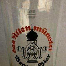 Coleccionismo de cervezas: BRAUER BIER - VASO DE LA CERVEZA ALEMANA DAS ALTENMUNSTER BRAUER BIER - ALTEN MÜNSTER . Lote 132342666