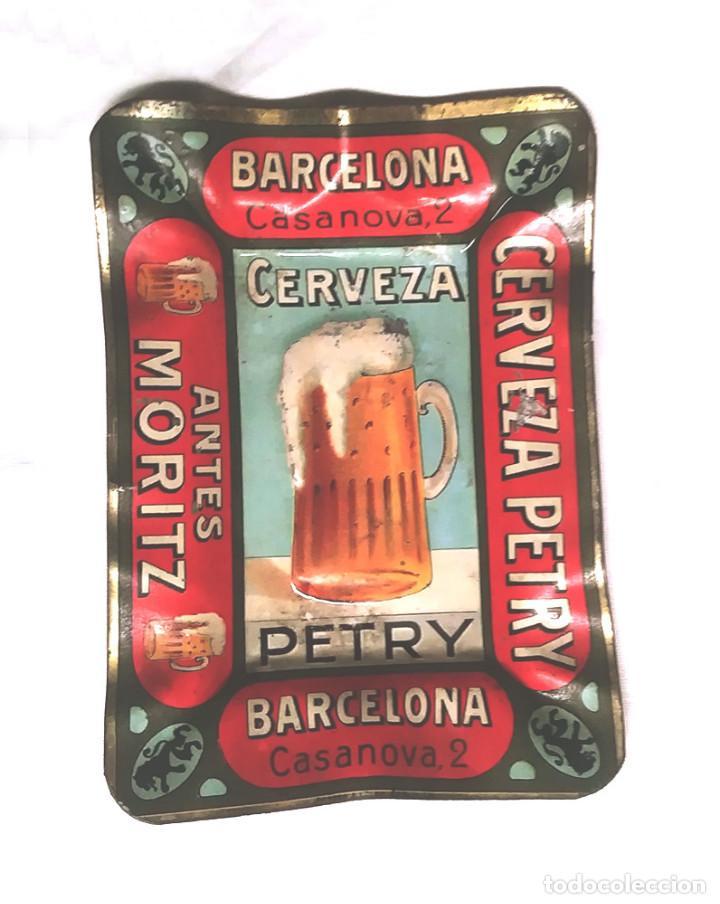 CERVEZA PETRY ANTES MORITZ CENICERO HOJALATA SERIGRAFIADA AÑOS 20, BUEN ESTADO (Coleccionismo - Botellas y Bebidas - Cerveza )