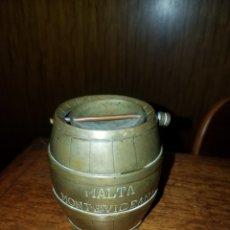 Coleccionismo de cervezas: BARRIL PUBLICIDAD BRONCE CERVEZAS MALTA MONTEVIDEANA. Lote 140142932