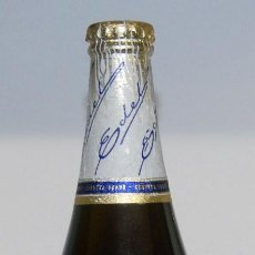 Coleccionismo de cervezas: ANTIGUA BOTELLA CERVEZA EDEL DAMM LLENA Y PRECINTADA. Lote 148164714