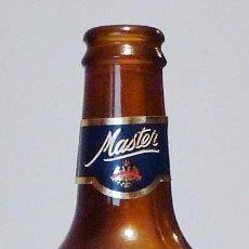 Coleccionismo de cervezas: BOTELLA CERVEZA ÁGUILA MASTER 25 CL - VACÍA. Lote 148912990